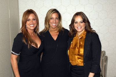 "From Left: Maria Celeste Arraras (Telemundo's Al Rojo Vivo), Jacqueline Hernandez (COO, Telemundo) and Jenni Rivera (Latin recording artist and Executive Producer of mun2 reality show ""Jenni Rivera Presents"") at the Multicultural Marketing and Diversity Conference on Tuesday November 9th where Jenni was the guest speaker. Maria Celeste led the Q&A with the recording artist.  (PRNewsFoto/mun2)"