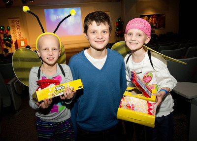 """Charlie Tahan of """"Frankenweenie"""" joins Disney & Claire's to present Spook-tacular for patients and their families at St. Jude Children's Research Hospital(R).  (PRNewsFoto/Claire's Stores, Inc.)"""