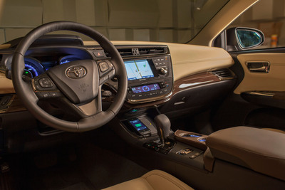 Wireless charging feature helps add to the modern, high technology nature of the Avalon cabin.  (PRNewsFoto/Toyota)