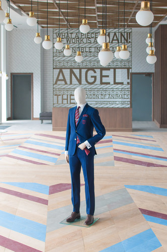Inside hospitality lounge (PRNewsFoto/Hawes & Curtis)