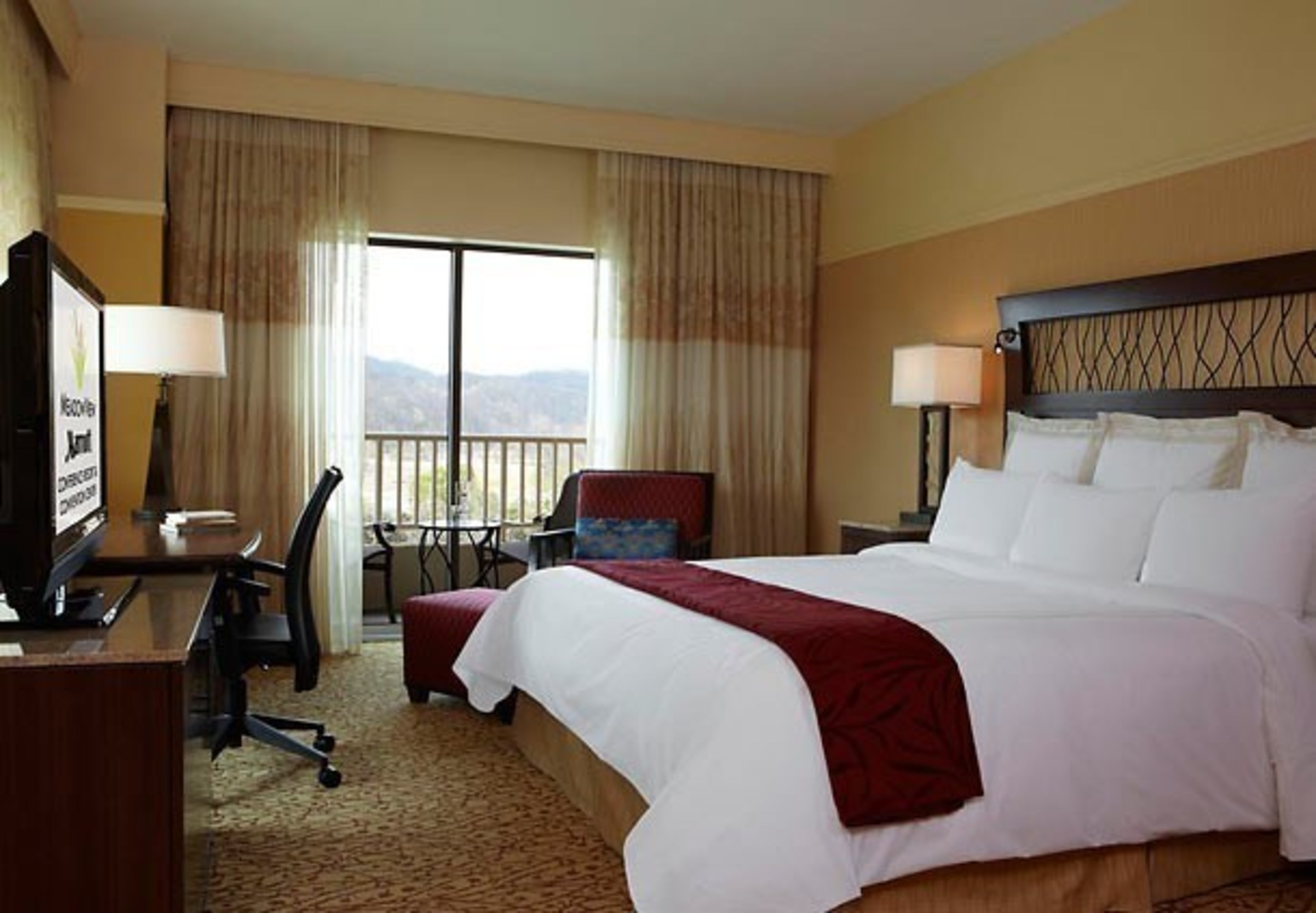 MeadowView Conference Resort & Convention Center in Kingsport, Tennessee has announced two new vacation packages just in time for the holiday season. The first includes complimentary breakfast and holiday treats, and the second includes a $25 daily resort credit. For information, visit www.marriott.com/TRICC or call 1-423-578-6600.