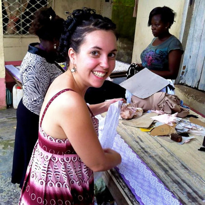 Cherie Amie co-founder Tara Smith works with artisans in Cameroon during her production trip in October.  (PRNewsFoto/Cherie Amie)