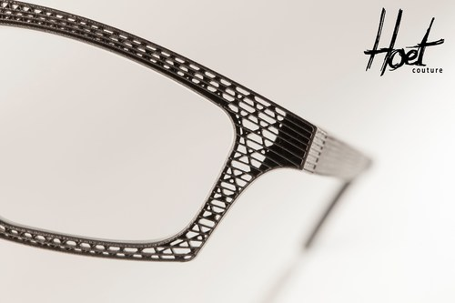 Unique and cost-effective: the delicate lattice structure of the titanium eyeglass frames was created using ...