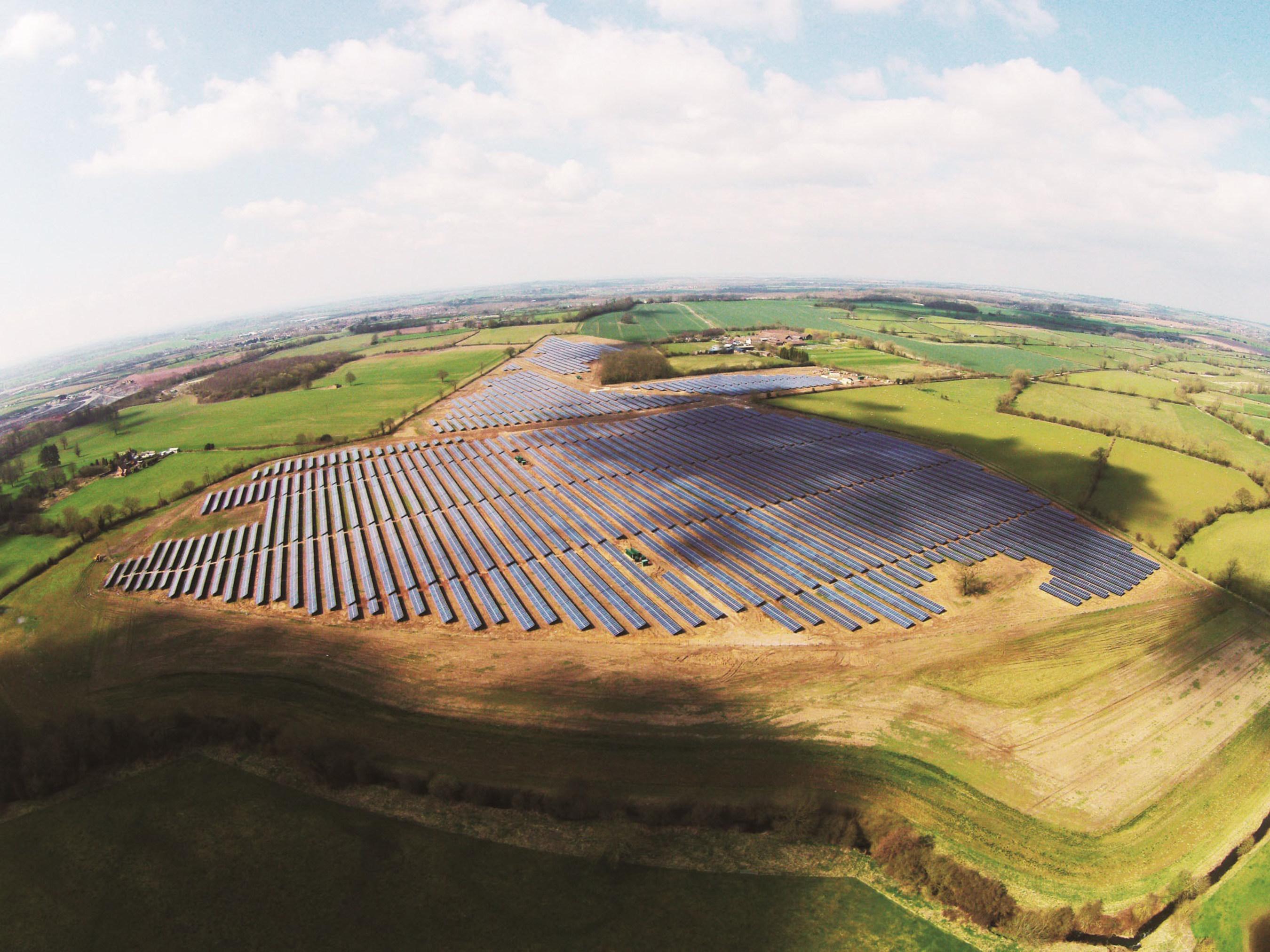 ET Solar ajoute un projet de 13 MWc à son portefeuille photovoltaïque en expansion au Royaume-Uni
