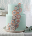 It's easier than you think to make this cake! (PRNewsFoto/Wilton Brands Inc.)