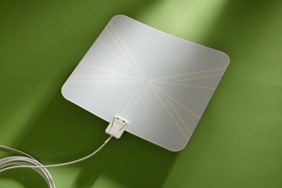 Winegard's FlatWave antenna is now available at all Home Depot stores. It brings HDTV picture quality into households for free. The flexible design allows for easy installation anywhere in a home that receives the best reception. The FlatWave indoor antenna is also available at www.getfreetv.com.  (PRNewsFoto/Winegard Company)