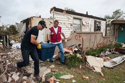 In May, Lowe's donated truckloads of storage containers and nearly 1,000 relief buckets filled with cleanup supplies to help Oklahoma homeowners recover from deadly tornadoes.  (PRNewsFoto/Lowe's)