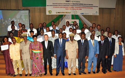 Cargill has established the first business skills program for cocoa farmer cooperative executives in Côte d'Ivoire with the launch of the Cargill Coop Academy. The first 40 executives from 10 cocoa cooperatives recently graduated upon completion of the Cargill Coop Academy and were recognised during a ceremony in Abidjan. (PRNewsFoto/Cargill)
