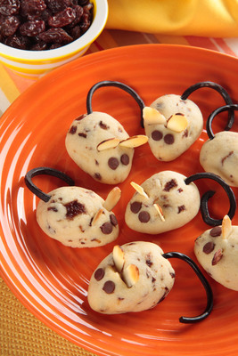 Full of nutrients and energy, California raisins provide a delicious burst of flavor to these delightful, kid-friendly cookies.