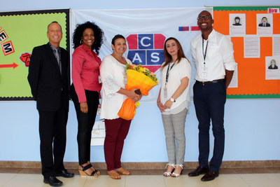 Melody Traylor (second from left) from Collegiate American School, Dubai is the winner of the inaugural Teacher's Appreciation Initiative. The program was conceived by Alpha Publishing and Smart Education, and supported by Teach UAE Magazine and KDSL Global. (PRNewsFoto/Alpha Publishing)