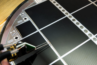 Wafer-bonded III-V / Si multi-junction solar cell with 30.2 percent efficiency (c)Fraunhofer ISE/A. Wekkeli
