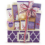 GiftBasketsOverseas.com is ready to help you pamper Mom! (PRNewsFoto/GiftBasketsOverseas.com)