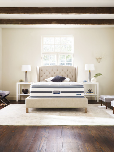 Simmons Hospitality introduces the new Recharge Beautyrest models to help travelers get the Recharging Sleep they need to Live Life Fully Charged.  (PRNewsFoto/Simmons Bedding Company)