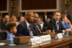 NBA Champion Ray Allen and JDRF President and CEO Jeffery Brewer testify before Senate Special Committee on Aging on importance of funding Type 1 Diabetes research.  (PRNewsFoto/JDRF)