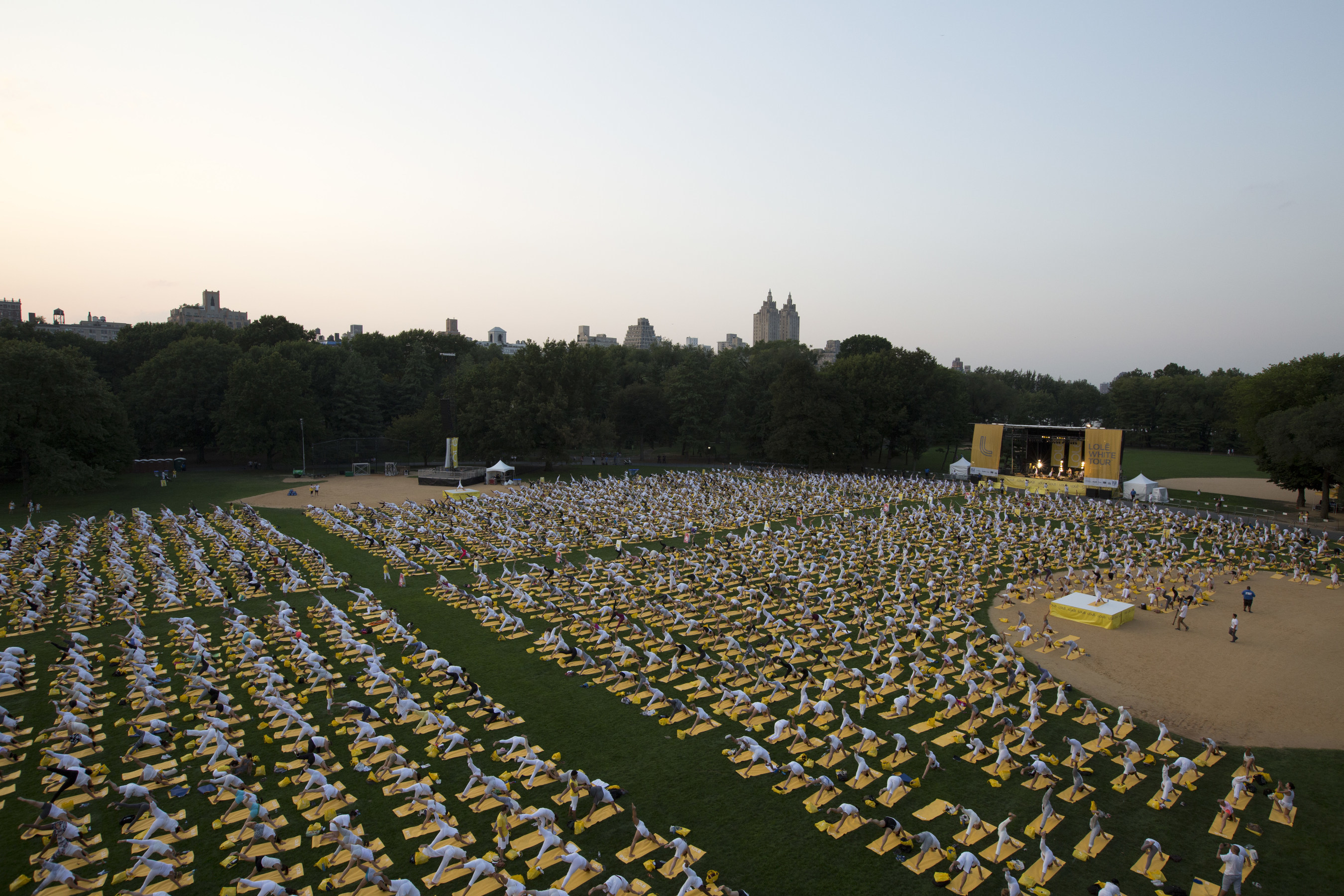 LOLE WHITE TOUR MAKES HISTORY WITH CENTRAL PARK EVENT UNITING CLOSE TO 10,000 YOGIS