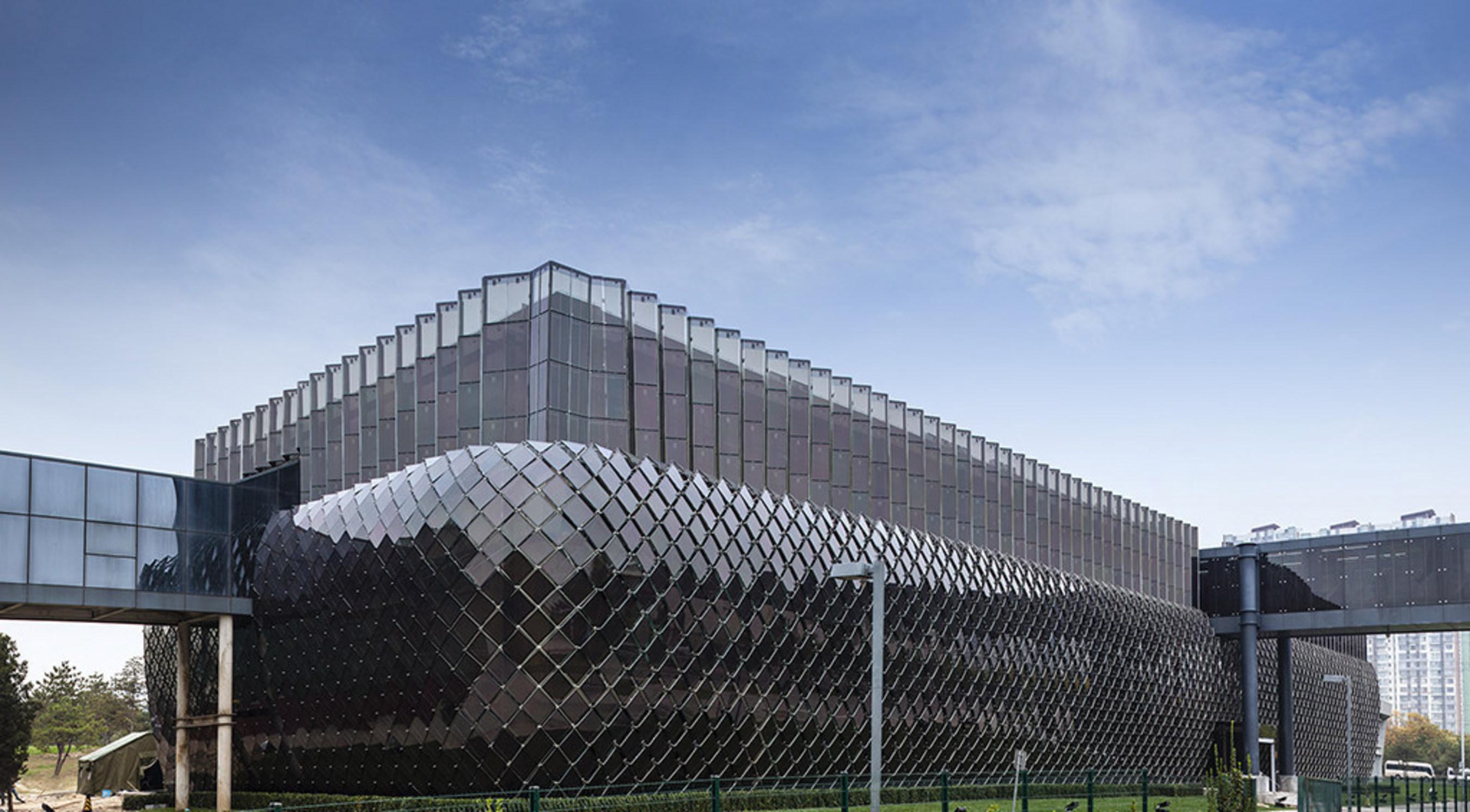 Phase I des BIPV-Projekts des Hanergy Hauptsitzes abgeschlossen; Vorstellung der One-Stop-Lösungen