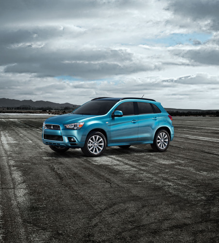 The All-New 2011 Mitsubishi Motors Outlander Sport is Set to Become the 'World's First Online Test