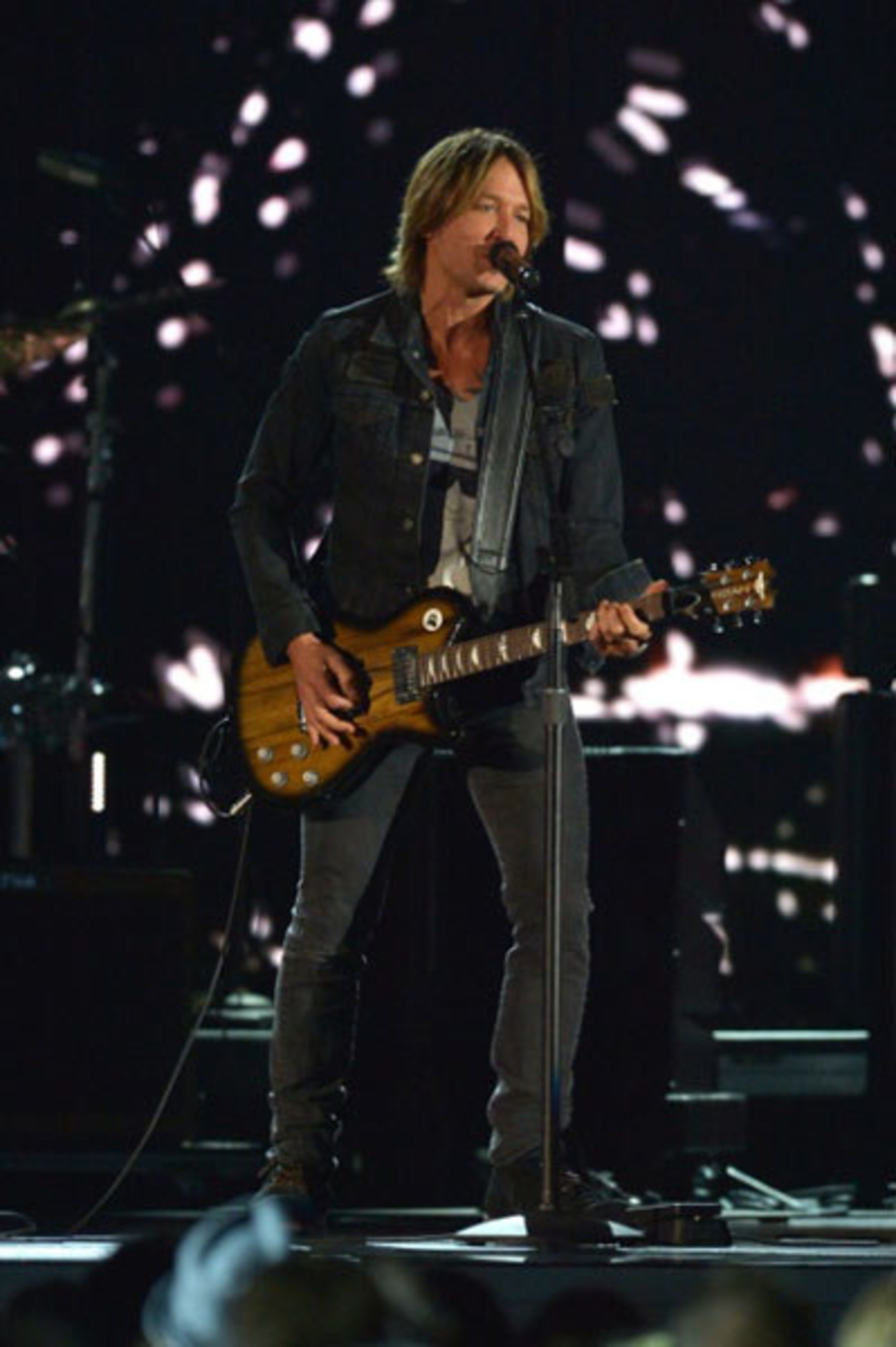 """Keith Urban rocks the CMA's with his """"Night Star"""" URBAN(TM) Guitar, debuting November 15th exclusively on HSN and HSN.com!"""