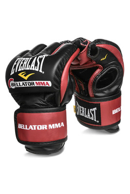 Everlast and Bellator Debut Next Generation PowerLock MMA Fight Glove.  (PRNewsFoto/Everlast Worldwide Inc.)