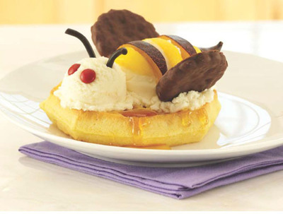 Eggo(R) Waffle Bee Sundae
