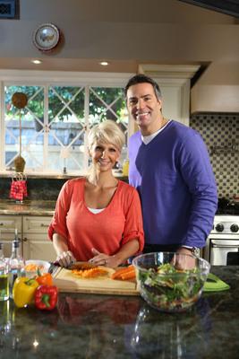 Kurt and Brenda Warner Choosing Heart-Healthy Foods.  (PRNewsFoto/Kowa Pharmaceuticals America, Inc.)