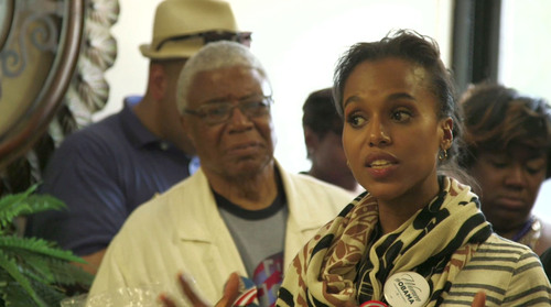 "Obama Surrogate Kerry Washington and dad encourage community to vote in ""SECOND COMING?: Will Black America Decide the 2012 Election"" premieres Friday, October 19 at 9 PM ET/PT on BET.  (PRNewsFoto/BET Networks, BET News)"