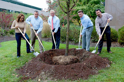 Wyndham Million Trees Project partners plant the symbolic one millionth tree on the Parsippany, NJ campus of Wyndham Worldwide, Sept. 30, 2016. R-L: Faith Taylor, Senior Vice President, Corporate Social Responsibility, Wyndham Worldwide; Dan Lambe, President, Arbor Day Foundation; Steve Holmes, Chairman and CEO, Wyndham Worldwide; Franz Hanning, President and CEO, Wyndham Vacation Ownership; and Matt Harris, CEO, Arbor Day Foundation.