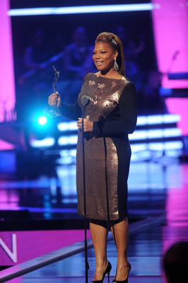 Queen Latifah accepts the Rock Star Award at Black Girls Rock! Premieres Sunday Nov. 3 at 7pm on BET. (PRNewsFoto/BET Networks) (PRNewsFoto/BET NETWORKS)