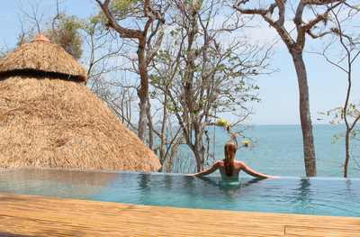 Isla Palenque's infinity pool.  (PRNewsFoto/The Resort at Isla Palenque)