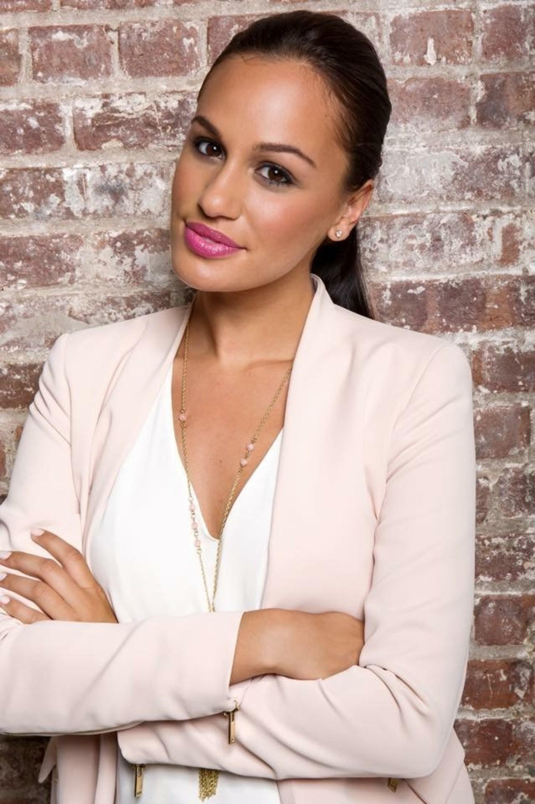La actriz, modelo y estrella de televisión Dariany Santana se une a la Asociación Nacional de