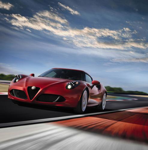 2015 Alfa Romeo 4C debuts at New York International Auto Show (PRNewsFoto/Chrysler Group LLC)