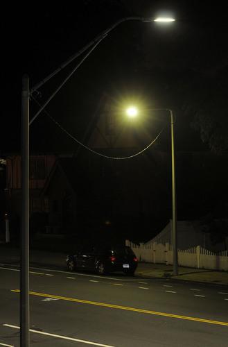 Top- Philips Lighting New LED Solution; Bottom- Previous Lighting Solution.  (PRNewsFoto/Royal Philips Electronics, John Mottern)