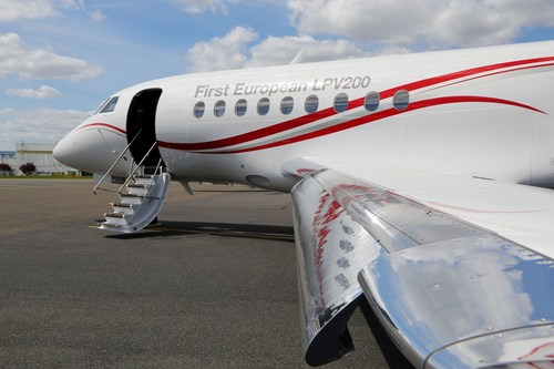 Falcon 2000LXS is First Business Jet to Fly 200 ft Minima Instrument Approach Using Europe's EGNOS LPV200 ...