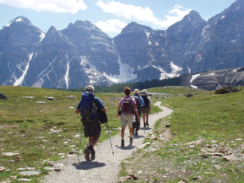 Road Scholar participants hike in the Rocky Mountains. Photo courtesy of Road Scholar. (PRNewsFoto/Road ...