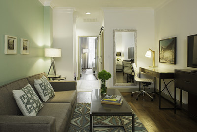 Hotel Indigo Savannah Historic District King Suite