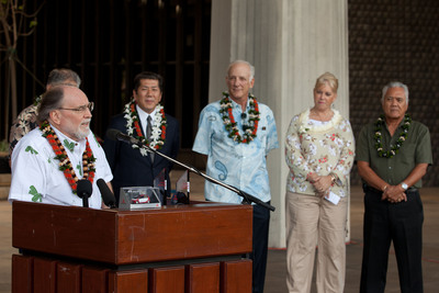 Governor Neil Abercrombie speaks at a ceremony at the Hawaii State Capitol to commemorate the first Mitsubishi i retail customer delivery in the US.  (PRNewsFoto/Mitsubishi Motors North America, Inc.)