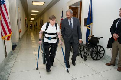 Fattah with retired Army Sgt Theresa Hannigan using ReWalk in May 2014 (PRNewsFoto/Office of Congressman Fatta)
