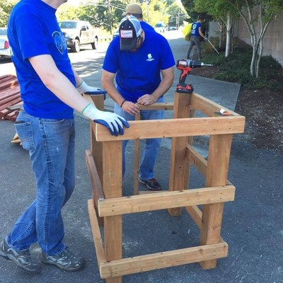 A group of injured veterans recently joined Wounded Warrior Project and The Mission Continues for a day of neighborhood beautification in Seattle. Projects included building planter boxes.
