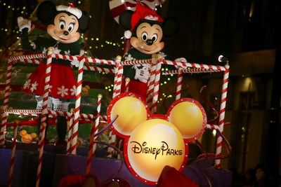 On Saturday evening, November 19, Mickey Mouse and Minnie Mouse from Walt Disney World(R) will lead an unforgettable tree-lighting parade down North Michigan Avenue, illuminating more than one million lights from Oak Street to the Chicago River.