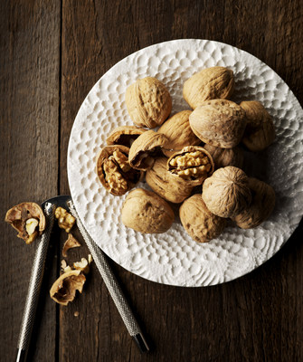 New research reveals potential brain-health benefits of walnut-enriched diet.