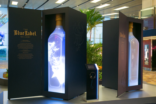 The JOHNNIE WALKER Blue Label Gallery lights up Singapore Changi Airport (PRNewsFoto/DIAGEO GLOBAL TRAVEL)