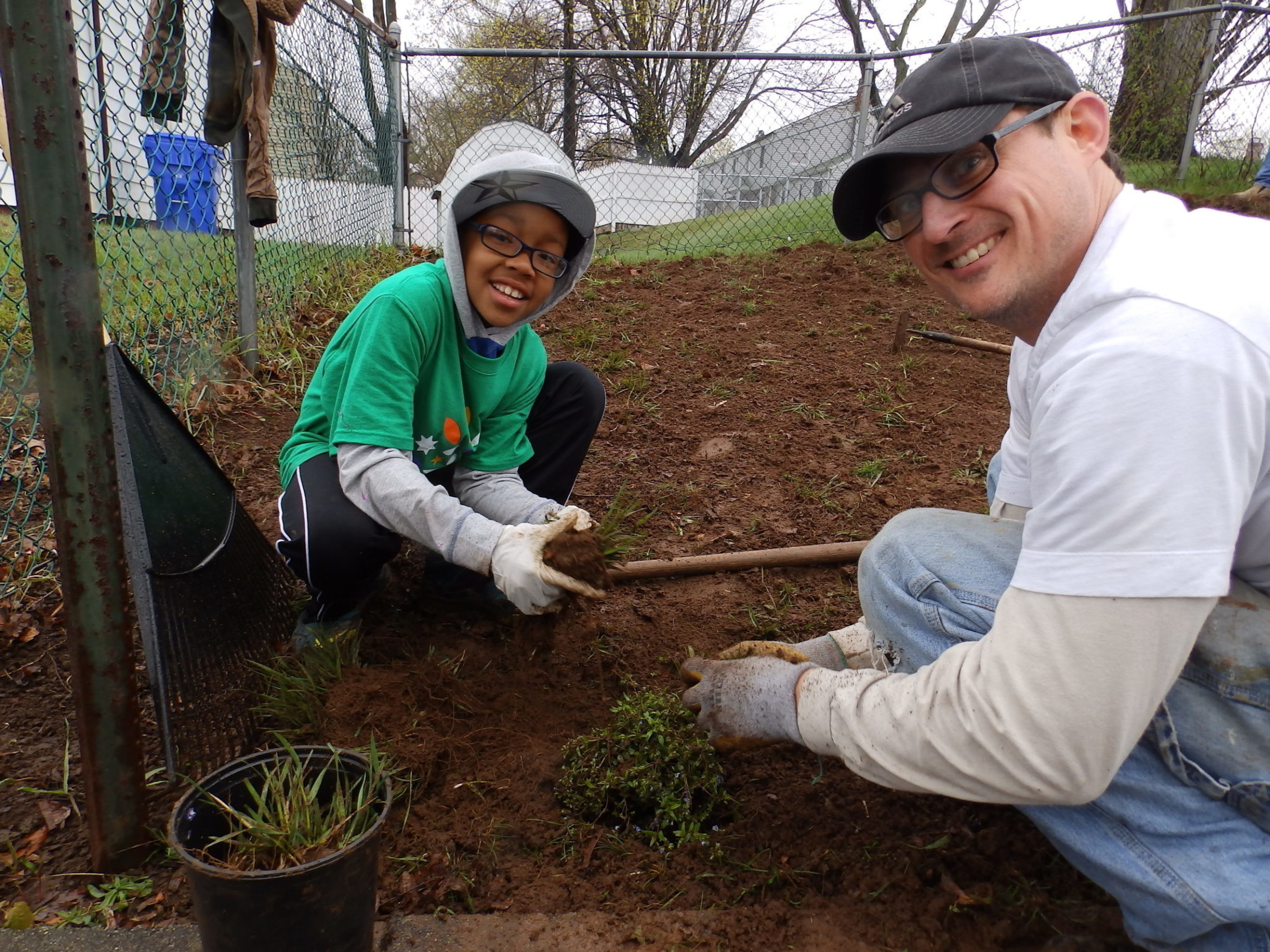 """More than 650 local Comcast NBCUniversal employees and their families, friends and community partners will """"make change happen"""" at nine sites throughout Connecticut on April 25th."""