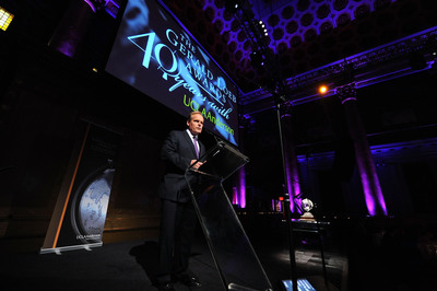 Tyler Mathisen of CNBC, master of ceremonies at the 2013 Gerald Loeb Awards banquet in New York City.  (PRNewsFoto/UCLA Anderson School of Management)