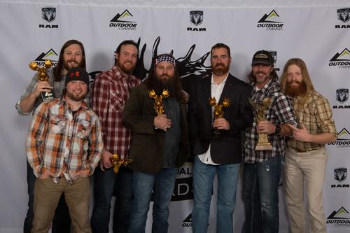 "Willie Robertson and the ""Buck Commander"" crew, winners of the Golden Moose Awards Fan Favorite Best Host on Outdoor Channel.(PRNewsFoto/Outdoor Channel) (PRNewsFoto/OUTDOOR CHANNEL)"