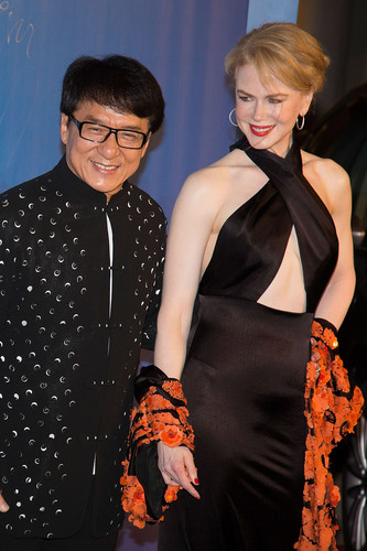 Nicole Kidman and Jackie Chan make grand entrance at Huading Awards in China.  (PRNewsFoto/The Huading Awards/Getty Images)