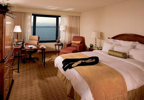 The San Francisco Airport Marriott Waterfront is offering guests a new holiday package they won't have to wait to open. The Stay This Holiday Package offers guests who book three or more nights at the hotel 25 percent off standard accommodation ...