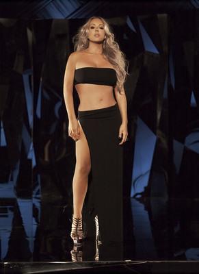Jenny Brand Ambassador Mariah Carey after her 30 pound weight loss (November 2011).  (PRNewsFoto/Jenny Craig)