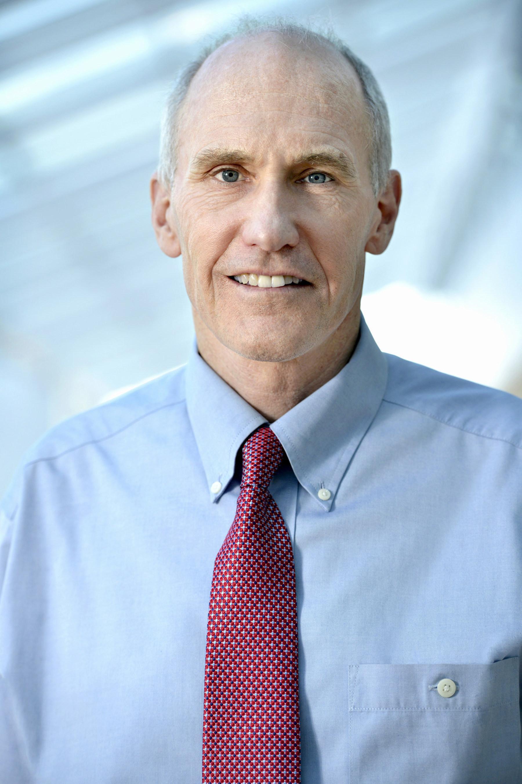Le pionnier de l'immunothérapie à Penn Medicine, le docteur Carl June, a obtenu le Prix Paul