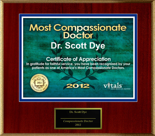 Patients Honor Dr. Scott Dye for Compassion.  (PRNewsFoto/American Registry)