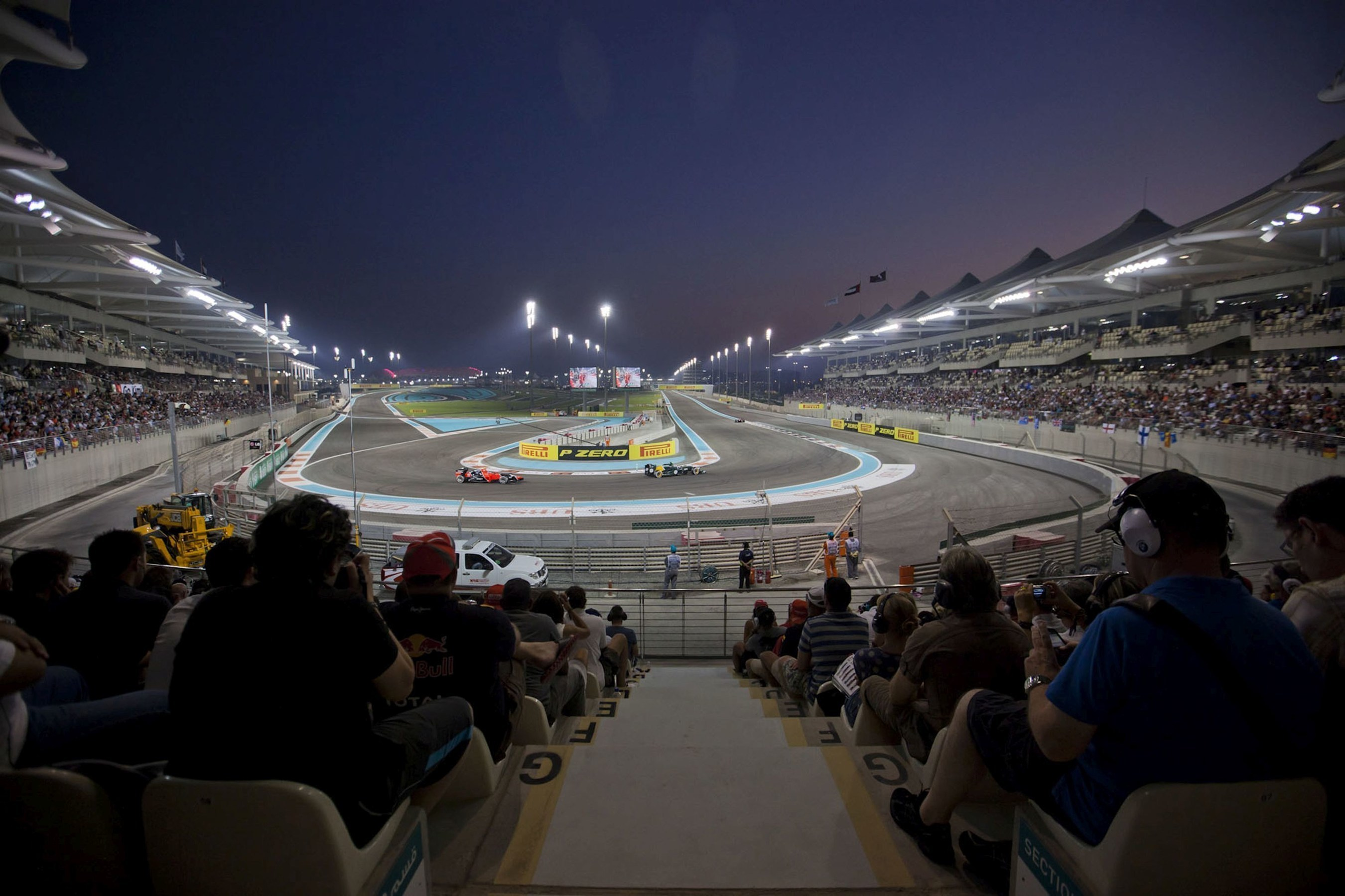 Many ticket categories for 2016 Abu Dhabi Grand Prix have already sold out (PRNewsFoto/Yas Marina Circuit)